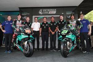 Fabio Quartararo, Franco Morbidelli, Petronas Yamaha SRT with the team