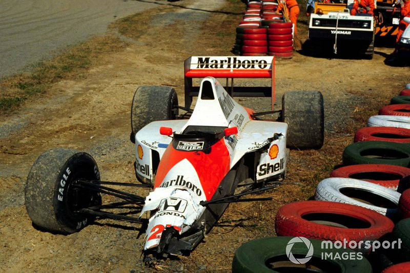La voiture accidentée d'Ayrton Senna, McLaren MP4-5B Honda