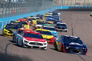 Matt DiBenedetto, Wood Brothers Racing, Ford Mustang Motorcraft/Quick Lane, Alex Bowman, Hendrick Motorsports, Chevrolet Camaro Axalta
