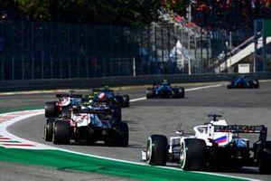 Antonio Giovinazzi, Alfa Romeo Racing C41, Nikita Mazepin, Haas VF-21