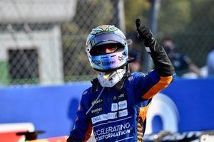 Daniel Ricciardo, McLaren, 3rd position, gives a thumbs up from Parc Ferme