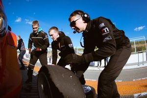 Механики команды Carville Racing