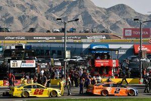 Joey Logano, Team Penske, Ford Mustang Shell Pennzoil and Brad Keselowski, Team Penske, Ford Mustang Autotrader