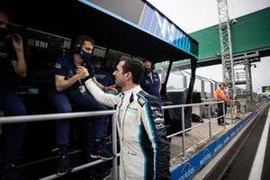 Nicholas Latifi, de Williams Racing, celebra su octava posición