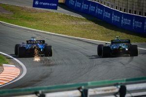 George Russell, Williams FW43B, Sebastian Vettel, Aston Martin AMR21