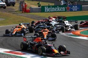 Max Verstappen, Red Bull Racing RB16B, Daniel Ricciardo, McLaren MCL35M, Lando Norris, McLaren MCL35M, Lewis Hamilton, Mercedes W12, Pierre Gasly, AlphaTauri AT02