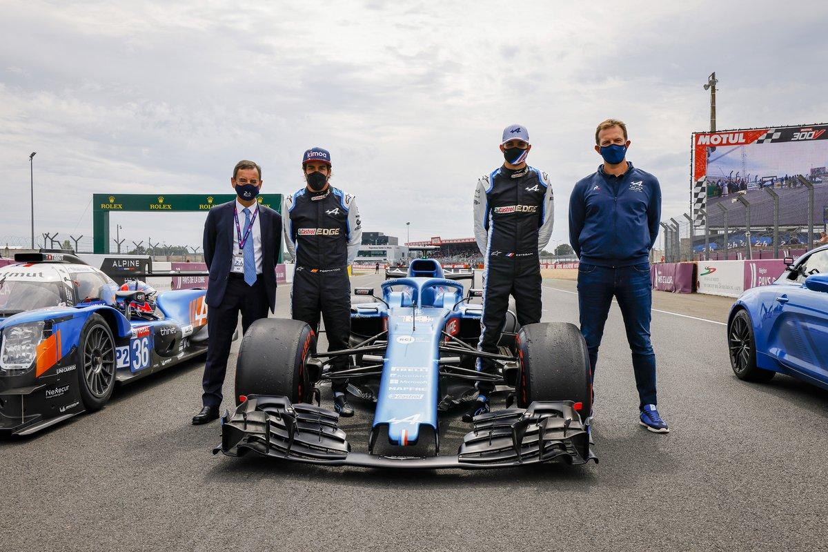 Fernando Alonso, Louis Rossi, Esteban Ocon, Alpine; Pierre Fillon, presidente del ACO