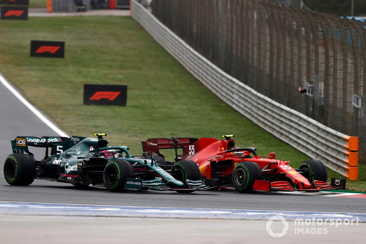 Carlos Sainz Jr, Ferrari SF21, Sebastian Vettel, Aston Martin AMR21