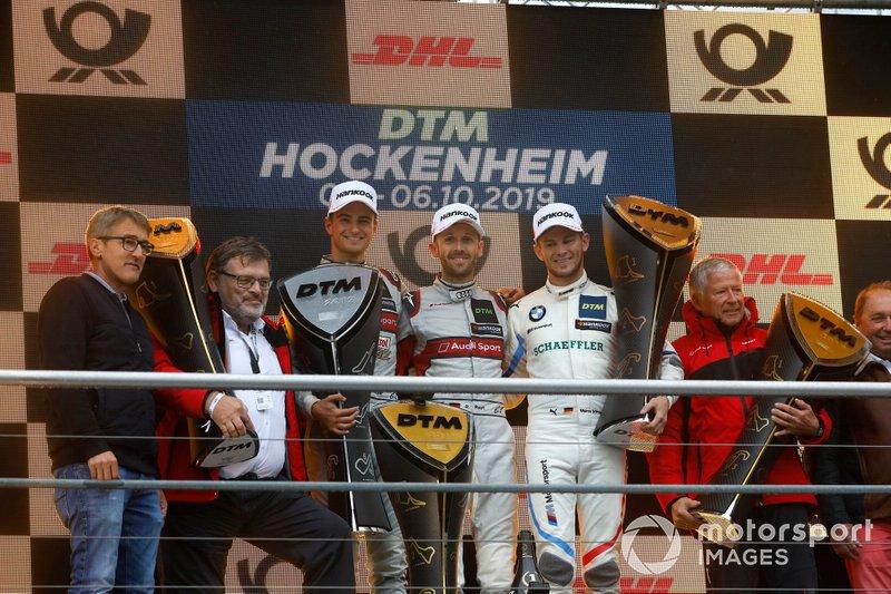Le podium du championnat : Le champion René Rast, Audi Sport Team Rosberg, le deuxième, Nico Müller, Audi Sport Team Abt Sportsline, le troisième Marco Wittmann, BMW Team RMG, Constructeur champion, Hans-Joachim Rothenpieler, Membre du Board the board pour Audi AG, Arno Zensen, Audi Sport Team Rosberg, Champion par équipe.