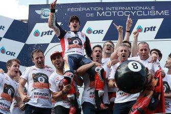Podio: ganador Marc Marquez, Repsol Honda Team