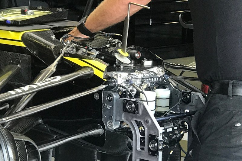 Renault F1 Team R.S.19 front detail