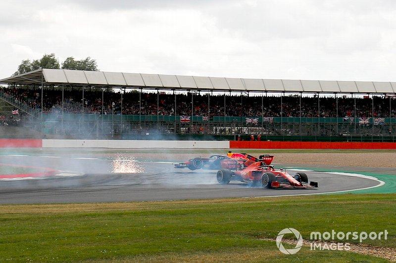 No GP da Grã-Bretanha, Vettel estava longe da vitória, mas brigava no pelotão da frente. Entretanto, ele errou em disputa com Verstappen e bateu no holandês, caindo para o fim do grid em Silverstone