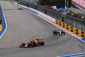 Alex Albon, Red Bull Racing RB15, leads Valtteri Bottas, Mercedes AMG W10