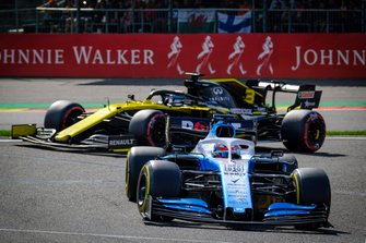 George Russell, Williams FW42, Daniel Ricciardo, Renault F1 Team R.S.19
