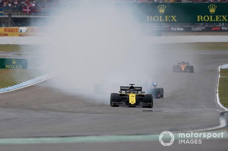Daniel Ricciardo, R.S.19 de Renault F1 Team, se retira al de la carrera por un problema técnico