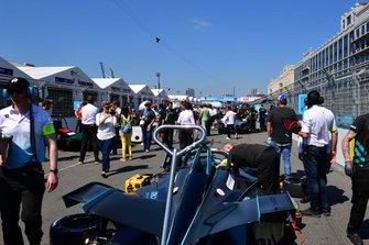 Gary Paffett's, HWA Racelab, VFE-05 on the grid