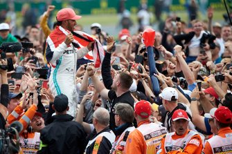 Lewis Hamilton, Mercedes AMG F1, 1st position, celebrates with his fans