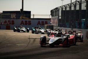 Жером д'Амброзио, Mahindra Racing, Mahindra M5 Electro, и Максимилиан Гюнтер, Dragon Racing, Penske EV-3