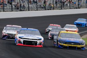 Matt Tifft, Front Row Motorsports, Ford Mustang Southeastern Equipment & Supply / Meijer and Ryan Preece, JTG Daugherty Racing, Chevrolet Camaro Kroger