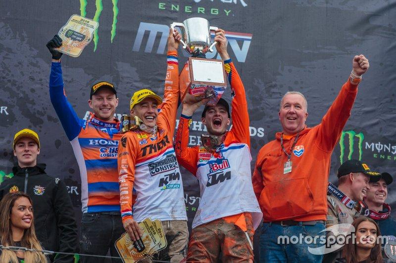 Team NL op het podium