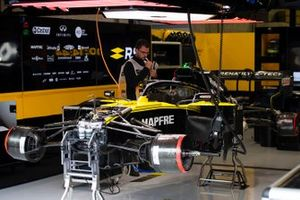 Renault F1 Team R.S. 19 in the garage