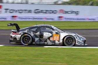 #88 DEMPSEY-PROTON RACING - Porsche 911 RSR: Thomas Preining, Gianluca Giraudi, Ricardo Sanchez