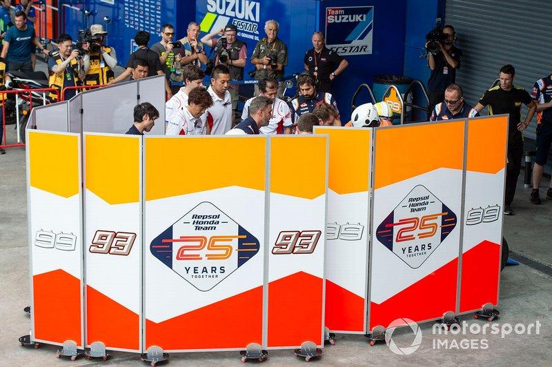 Moto de Marc Marquez, Repsol Honda Team, tras la caída