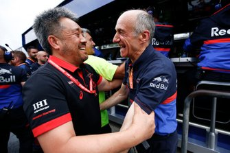 Masashi Yamamoto, General Manager, Honda Motorsport, and Franz Tost, Team Principal, Toro Rosso, celebrate a podium