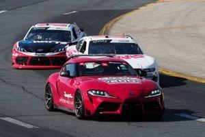 Toyota Supra tempo aracı, Cole Custer, Stewart-Haas Racing, Ford Mustang Haas Automation, Christopher Bell, Joe Gibbs Racing, Toyota Supra Rheem-Watts