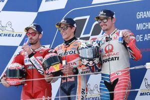 Podium: racewinnaar Marc Marquez, Repsol Honda Team, tweede plaats Andrea Dovizioso, Ducati Team, derde plaats Jack Miller, Pramac Racing