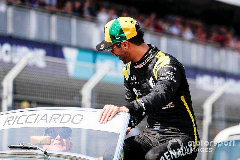Daniel Ricciardo, Renault F1 Team, durante la drivers parade