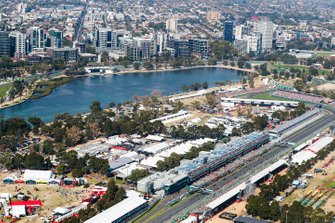 Valtteri Bottas, Mercedes AMG W10 leads Lewis Hamilton, Mercedes AMG F1 W10