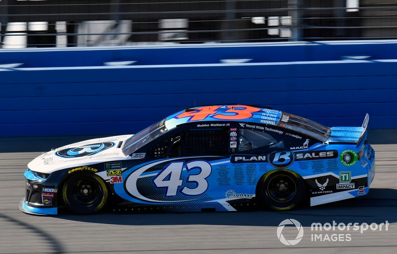 28. Darrell Wallace Jr., Richard Petty Motorsports, Chevrolet Camaro PlanBSales.com