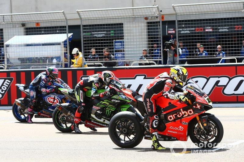 Alvaro Bautista, Aruba.it Racing-Ducati Team, Jonathan Rea, Kawasaki Racing, Alex Lowes, Pata Yamaha, alla partenza della gara