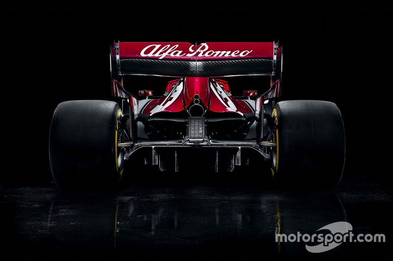 Автомобиль Alfa Romeo Racing C38