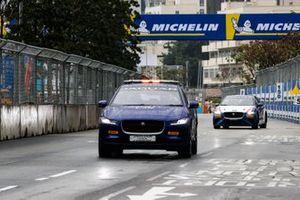The Jaguar I-Pace safety car Katherine Legge, Rahal Letterman Lanigan Racing