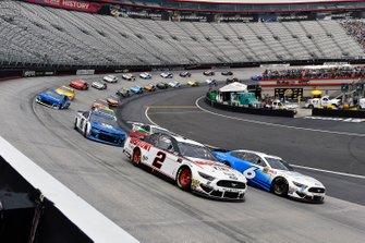 Brad Keselowski, Team Penske, Ford Discount Tire and Ryan Newman, Roush Fenway Racing, Ford Mustang Wyndham Rewards