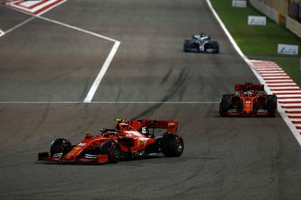 Charles Leclerc, Ferrari SF90, Sebastian Vettel, Ferrari SF90, Lewis Hamilton, Mercedes AMG F1 W10