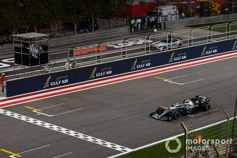 Bahreïn - Vainqueur : Lewis Hamilton (Mercedes W10)