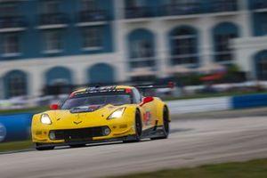 #4 Corvette Racing Corvette C7.R, GTLM : Oliver Gavin, Tommy Milner, Marcel Fässler