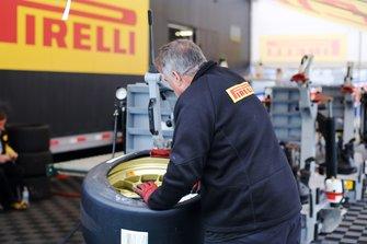 Pirelli member at work