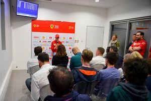 Мик Шумахер, Ferrari, на пресс-конференции