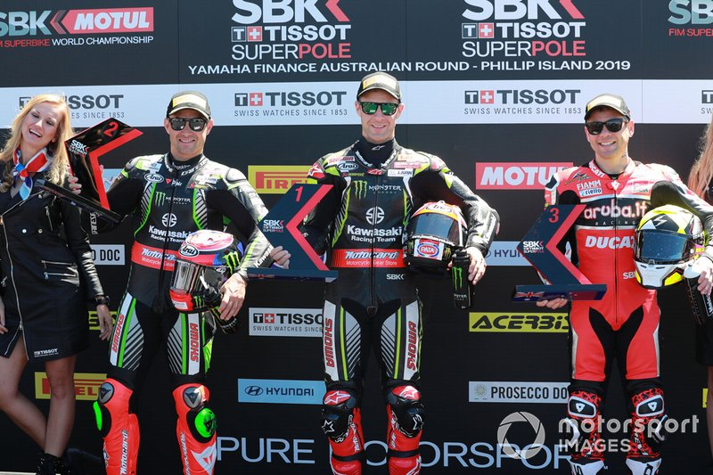 Qualifica: il secondo Leon Haslam, Kawasaki Racing, il poleman Jonathan Rea, Kawasaki Racing, ed il terzo classificato Alvaro Bautista, Aruba.it Racing-Ducati Team