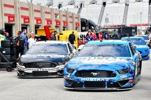 Kevin Harvick, Stewart-Haas Racing, Ford Mustang Busch Beer and Aric Almirola, Stewart-Haas Racing, Ford Mustang Smithfield