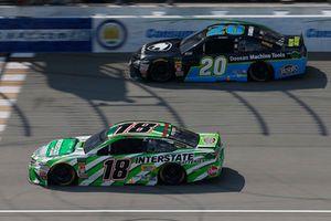 Kyle Busch, Joe Gibbs Racing, Toyota Camry Interstate Batteries Erik Jones, Joe Gibbs Racing, Toyota Camry Doosan