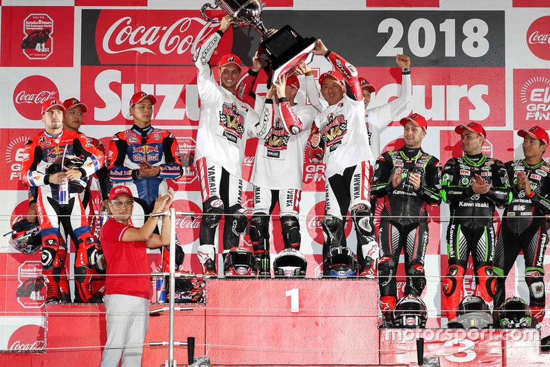 Podio: #33 Red Bull Honda: Takaaki Nakagami, Takumi Takahashi, PJ Jacobsen, #21 Yamaha Factory Racing Team: Michael van der Mark, Alex Lowes, Katsuyuki Nakasuga. #11 Kawasaki Team Green: Jonathan Rea, Leon Haslam, Kazuma Watanabe
