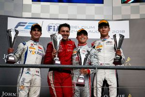 Ganador Sergio Sette Camara, Carlin Nyck De Vries, PREMA Racing And George Russell, ART Grand Prix