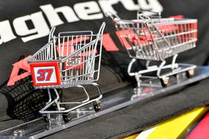 Chris Buescher, JTG Daugherty Racing, Chevrolet Camaro Slim Jim