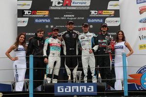Podium: Race winner Dániel Nagy, M1RA Hyundai i30 N TCR, second place Jean-Karl Vernay, Leopard Lukoil Team Audi RS3 LMS TCR, third place Kris Richard, Target Competition Hyundai i30 N TCR, Giovanni Altoè, Pit Lane Competizioni Audi RS3 LMS TCR