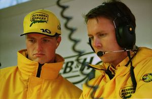 Ralf Schumacher, Jordan 198 met zijn engineer Sam Michael